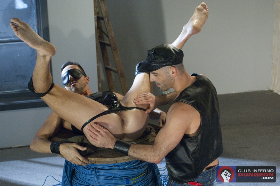 Leather And Fisting – Part 1