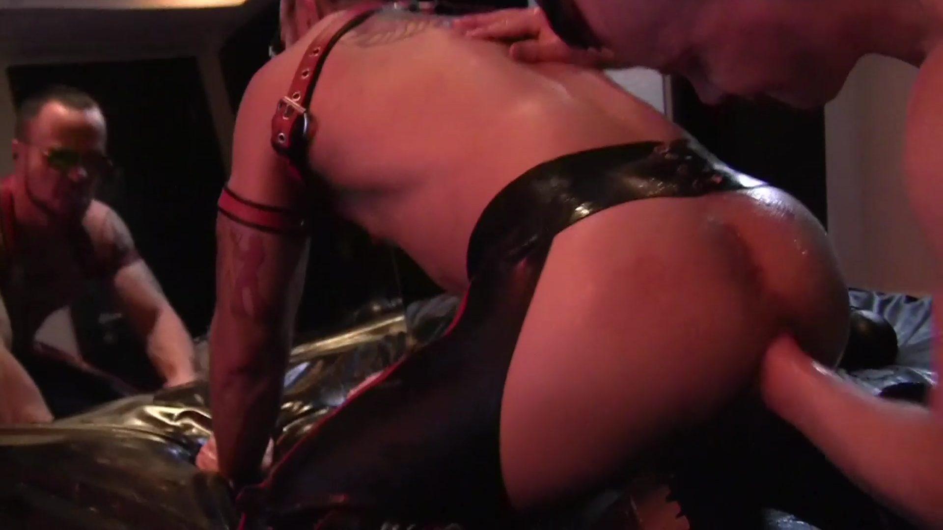Ashley Fists Eddie - Part 2 1