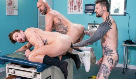 Teddy Bryce, Drew Sebastian & Drew Dixon – Fisting Threesome