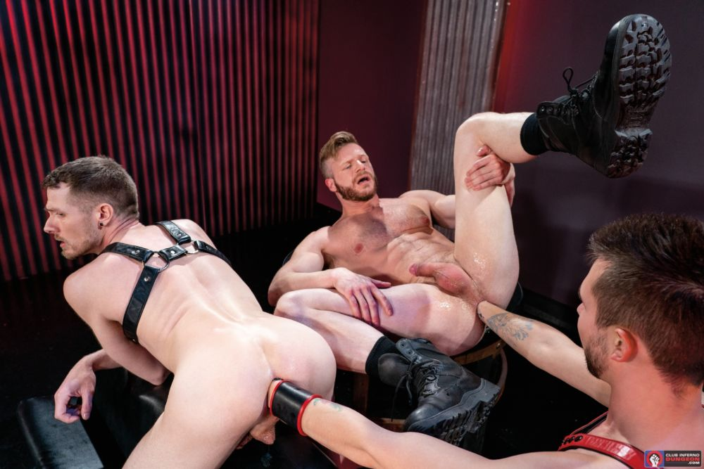 Mike Monroe Fist Fucks Brian Bonds & Alex Killian Deep In The Club 5