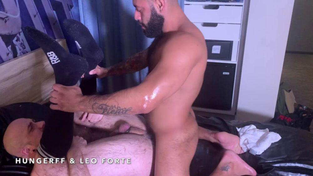Leo Forte - Shoulder Deep Inside Of HungerFF 2