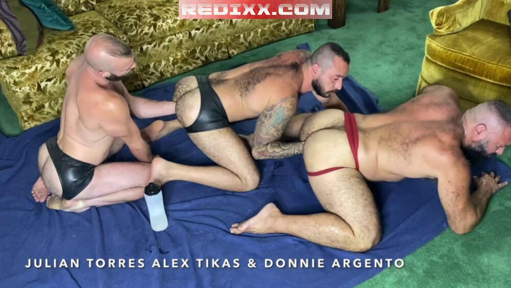 Gay Fisting Session: FFurryStud, Donnie Argento & Alex Tikas 3