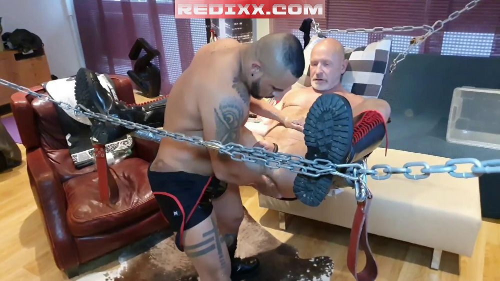 Daddy Benedictux Enjoys Elbow Deep Fisting With Thiago Boss 4