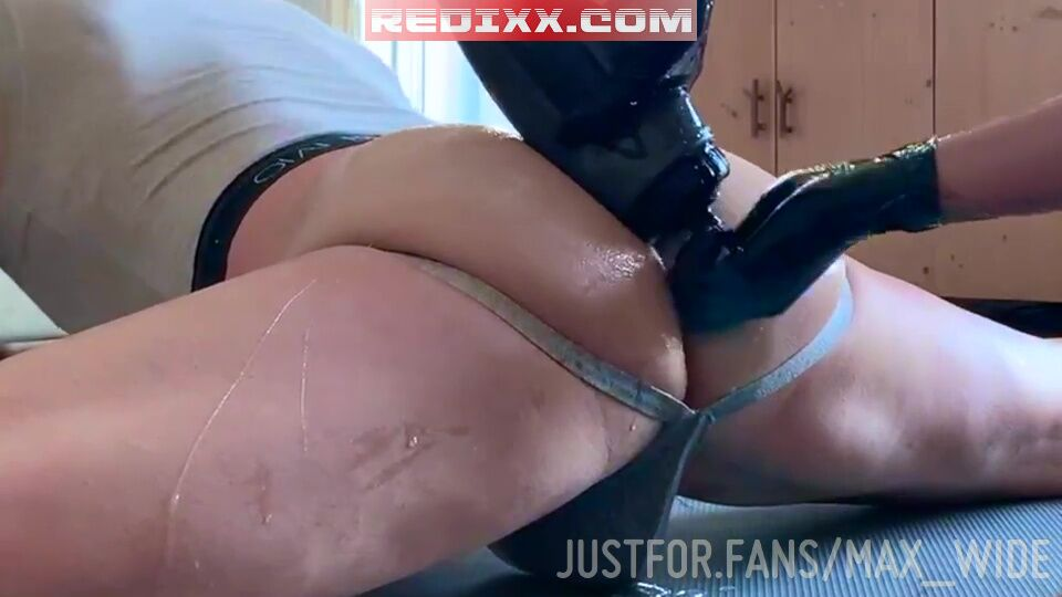 Max Wide Double Fist Fucked By Erebo123 1