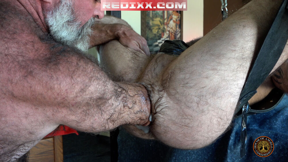 Will Angell Fists & Fucks HungerFF's Meaty Prolapse 4