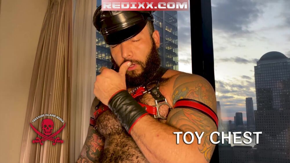 Julian Torres – Big Dildo Solo in Leather
